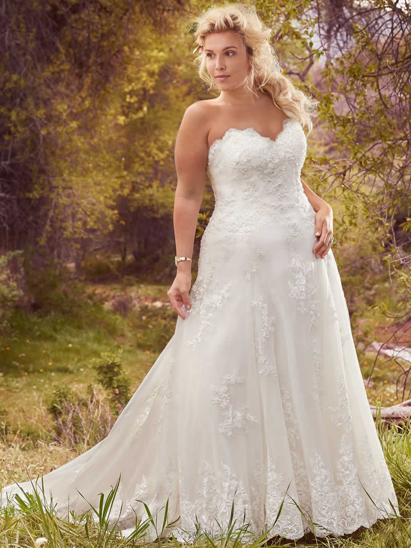 Curvy Bride – Trunk Show